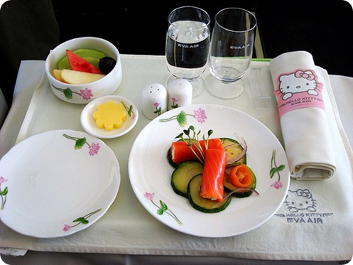 eva-airways-hello-kitty-meal