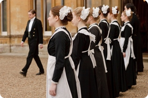 downton-abbey-servants-line2-400