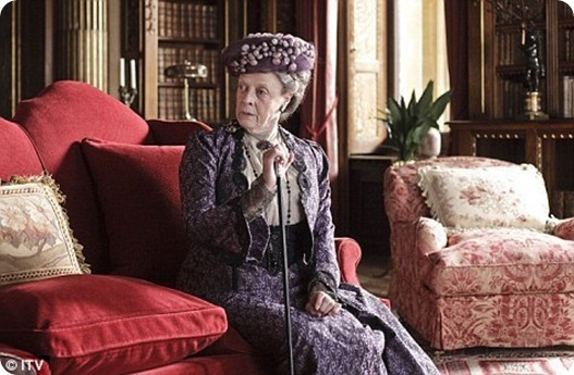 Maggie-Smith-in-Downton-downton-abbey-15932193-472-309