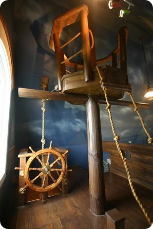 PirateShipBedroom7