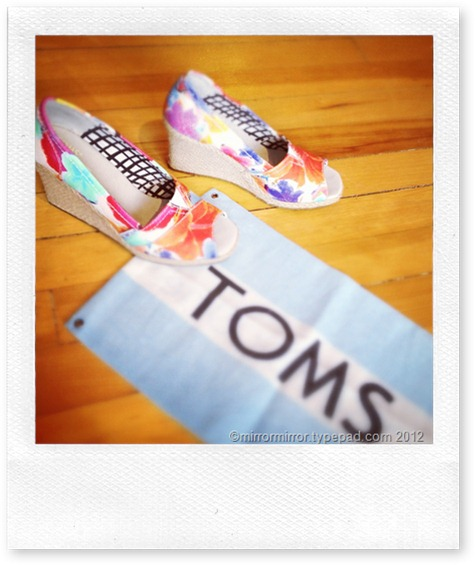toms-floral-wedges (1 of 1)