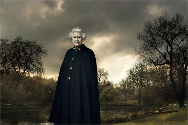 leibovitz-queen-portrait