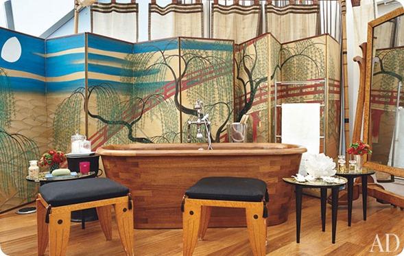 diane-von-furstenburg-new-york-apartment-06-bath-area