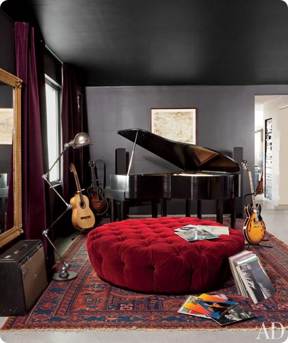 adam-levine-hollywood-hills-home-04-bedroom-lg