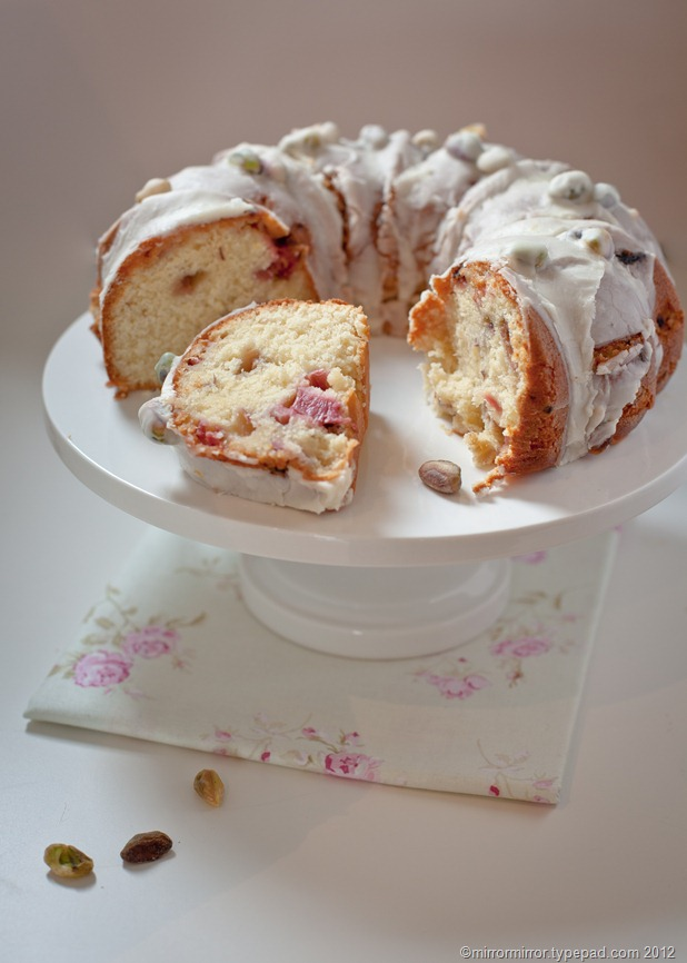 lemon-rhubarb-pistachio-bundt-cake (6 of 6)