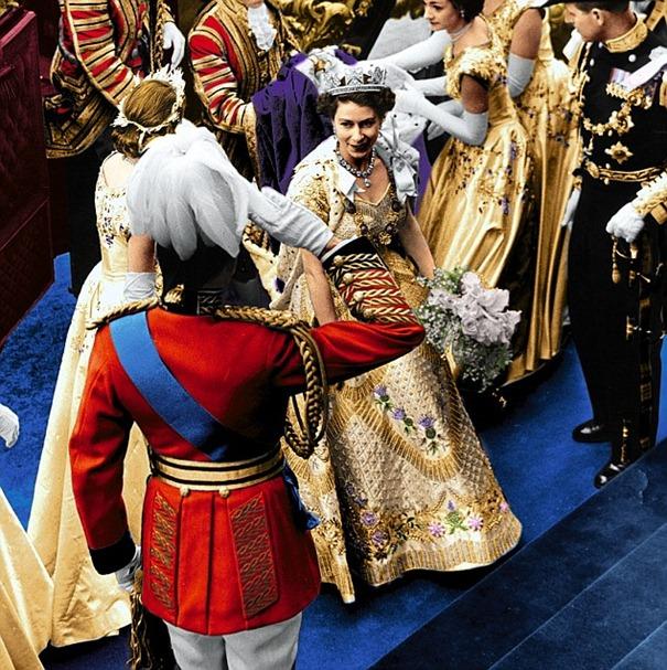 queen-elizabeth-coronation-dress-hartnell1