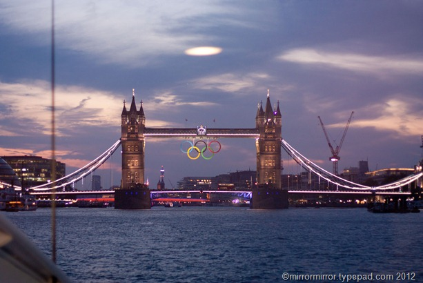 towerbridgeolympicringssunset